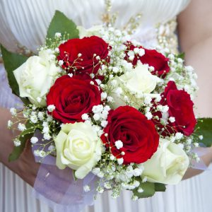 Which Flowers Are Best To Make Bridal Bouquets Ferns N Petals Singapore