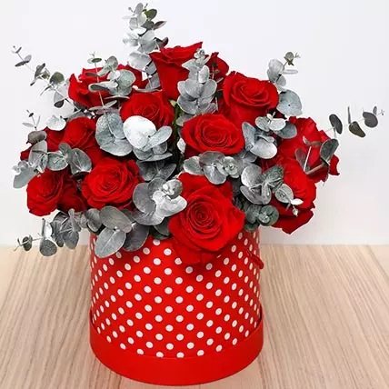 beautiful red roses box