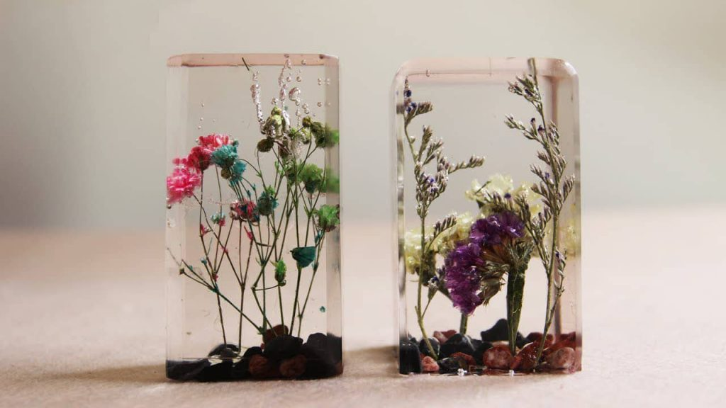 drying-flowers-in-epoxy